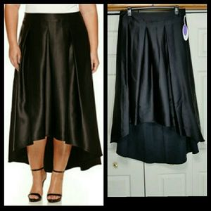 NWT Ashley Nell Tipton boutique Hi-Lo skirt